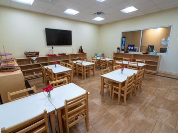 kids cafeteria at Lycee Montessori