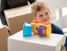 Montessori vs. daycare: what is the difference for your toddler?